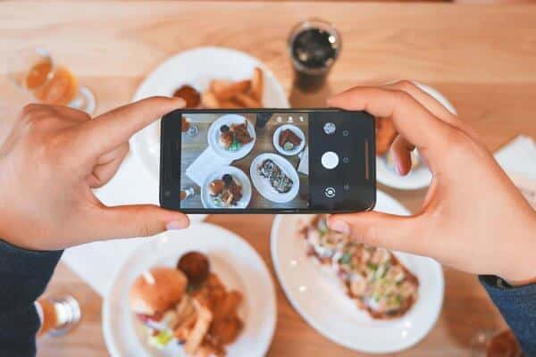 Use social media to spread the word about your restaurant!